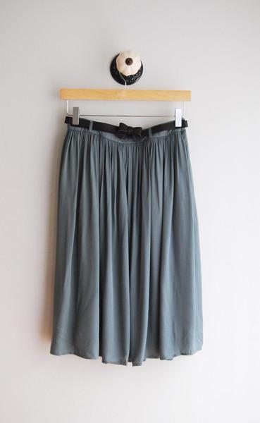 Midi skirt w/ bow belt