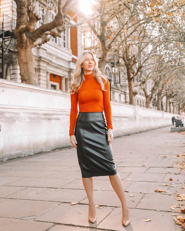 skirt midi skirt pencil skirt leather skirt black skirt pumps turtleneck