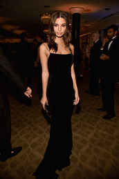 dress,black dress,emily ratajkowski,velvet,velvet dress,model off-duty,Golden Globes 2018