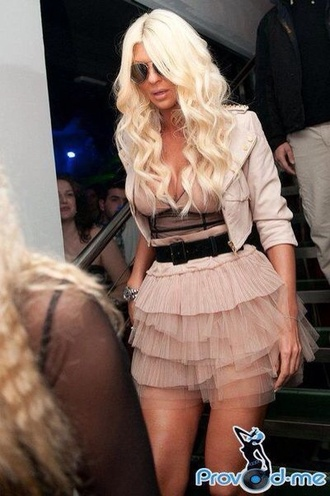 jacket nude all nude everything jelena karleusa short skirt belt wide leather belt sunglasses blonde hair hairstyles aviator sunglasses perfecto