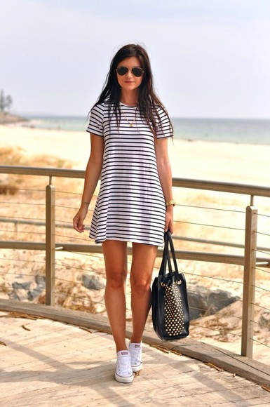 stripes dress girl