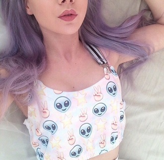 top soft grunge alien emoji shirt tumblr emoji crop top emoji cropped croptop peace star