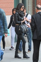jacket,leather jacket,black,kendall jenner,cropped,shoes,scarf,model off-duty