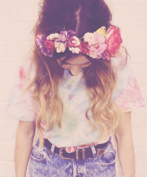 tie dye t-shirt dip dyed colorful galaxy flowers shirt flower crown high waisted short tucked in hat