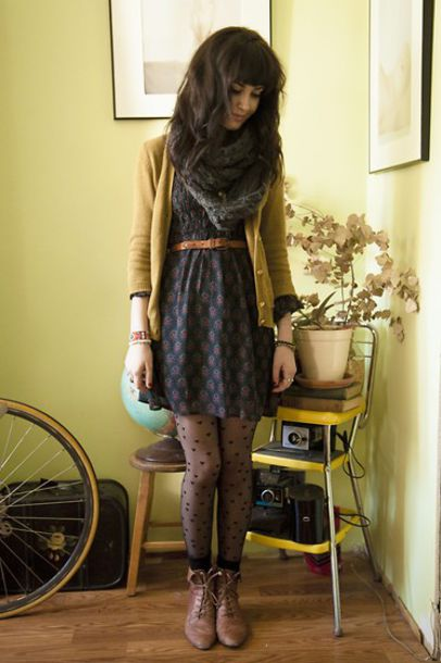 dress shoes patterned dress patterned dress pattern scarf yellow cardigan indie hilser fall outfits yellow jacket yellow belt cardigan tights boots drees midi mini midi mini paisley pale vintage blue red brown spotted spots spot polka dots polka dot tights hipster leggings blue dress