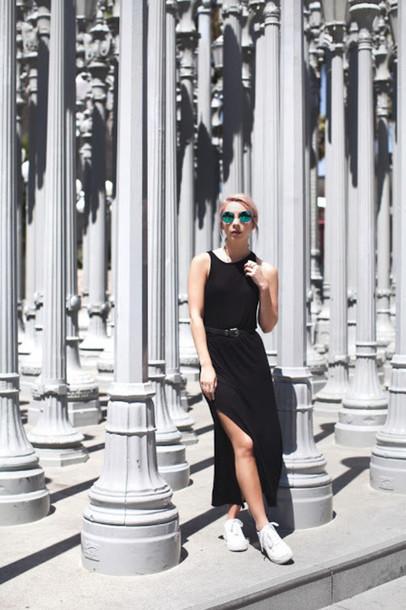 Leanne Lim Walker Blogger Sunglasses Dress Belt Jewels Wheretoget