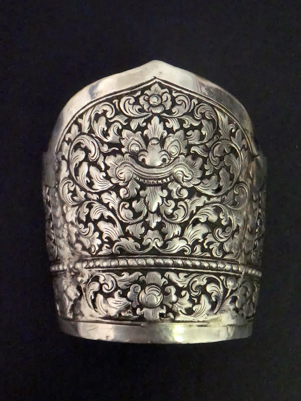 ANTIQUE CHINESE STERLING SILVER EXPORT CUFF BRACELET DRAGON PATTERN