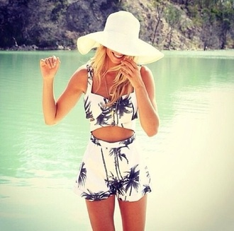 tank top palm tree print two-piece white two piece summer outfits shorts floral tanktop floral cooperates fashion suit top co ord palm tree black and white summer