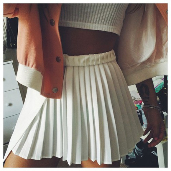 flowy short whiteskirt accordianfold skirt