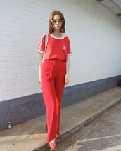 pants,double3xposure,blogger,red pants,red t-shirt,red top,t-shirt,all red wishlist,sunglasses,cat eye