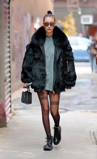 tights t-shirt bella hadid streetstyle jacket model off-duty shoes dress oversized t-shirt ankle boots sunglasses