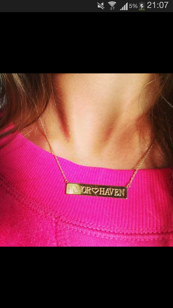 jewels gold necklace pink jessica alba gold necklace necklace pull-over