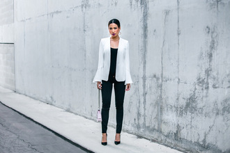 my white t blogger jacket leggings bag jewels nude bag blazer white jacket pumps fall outfits