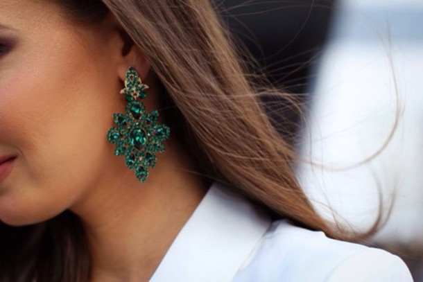 jewels earrings green green jewels amazing elegant party women fashion party outfits lovely jewelry hair accessory
