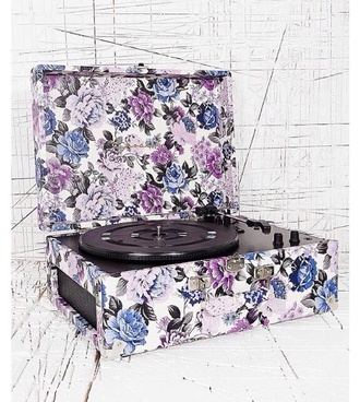 earphones record player vintage urban outfitters technology