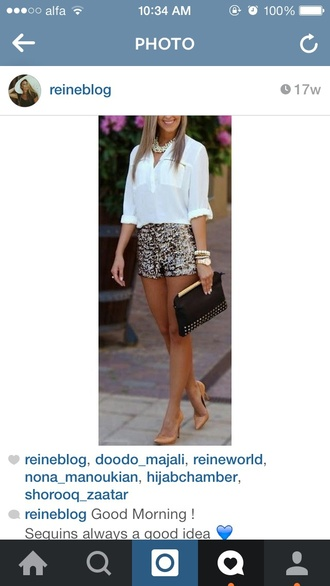 shorts white shirt clutch necklace
