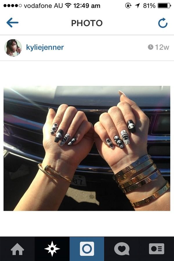 jewels kylie jenner bracelets nail art