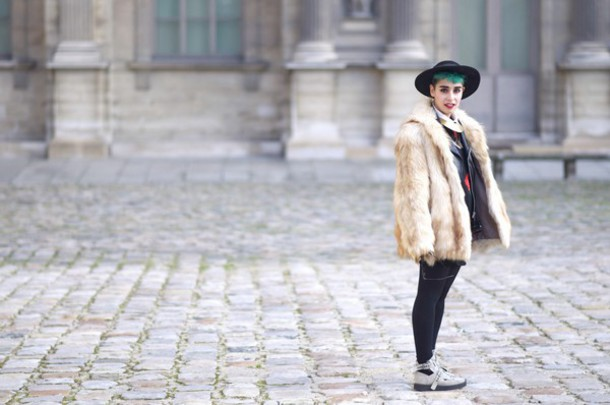 let's get flashy blogger hat faux fur jacket jacket dress shoes coat sunglasses