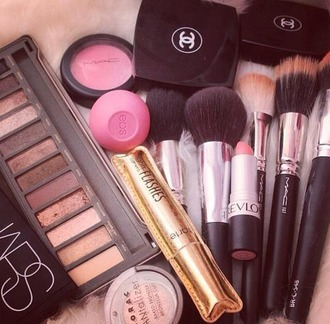 make-up chanel mac cosmetics eos nars cosmetics classy tumblr tarte autumn make-up palette makeup palette makeup brushes makeup bag eye makeup pretty beautiful