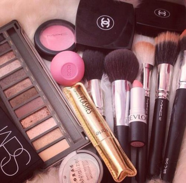 make-up chanel mac cosmetics eos nars cosmetics classy tumblr tarte autumn make-up palette makeup palette makeup brushes makeup bag eye makeup pretty beautiful mac cosmetics