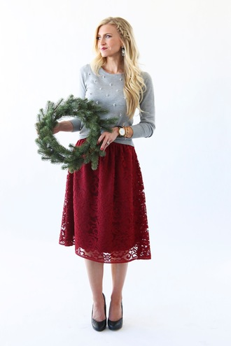 elle apparel blogger skirt sweater shoes jewels make-up dress