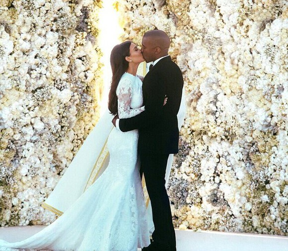 kim kardashian wedding dress white dress white kardashians