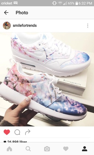 shoes sneakers floral sneakers roshe runs nike air max 1 nike
