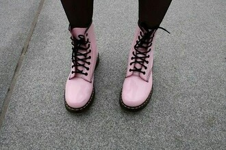 shoes pale pink babypink docs drmartens colorful docs drmartens bright