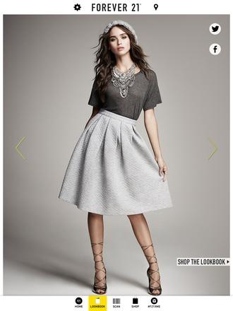 gray t-shirts gray skirt