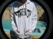 sweater,vans,sweatshirt,white,hoodie