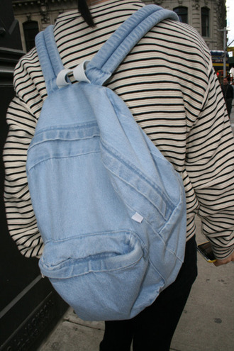 bag jeans backpack tumblr hipster vintage sweater stripes baggy oversized sweater striped sweater comfy blue denim pale denim backpack zip jacket black white blue bag jeans bag pls help me guys baby blue