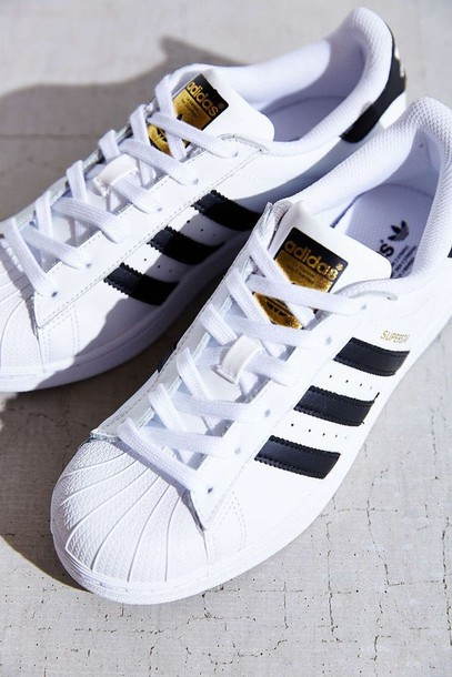 pretty nice 5b119 041d6 shoes adidas adidas orginal zapatillas blak black negro blanco evite white  adidas superstars adidas originals adidas