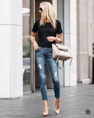 t-shirt tumblr black t-shirt denim jeans blue jeans ripped jeans pumps pointed toe pumps high heel pumps bag nude bag shoes