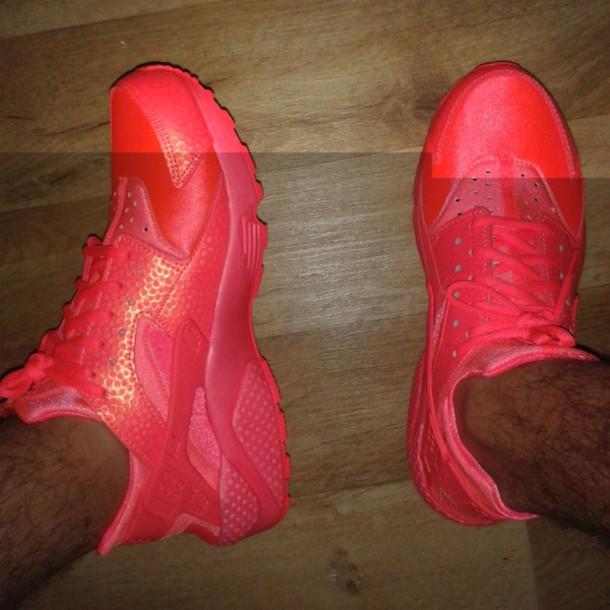 e1f6e0677137 shoes huarache nike air huaraches nike hot pink nike sneakers
