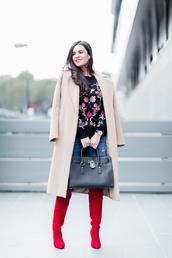 crimenes de la moda,blogger,sweater,coat,jeans,jewels,shoes,bag,embroidered,nude coat,handbag,red boots,winter outfits