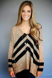 sweater,beige sweater,chevron