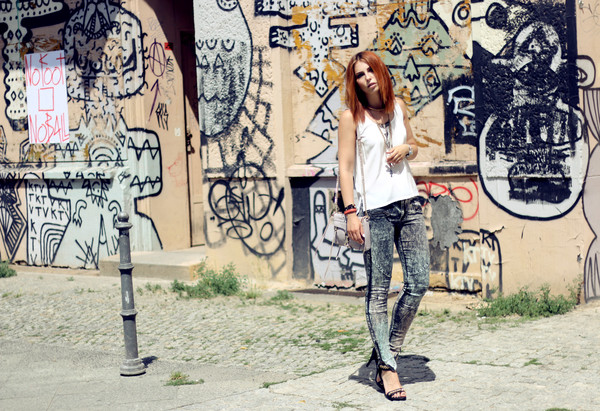 masha sedgwick jeans top bag jewels shoes