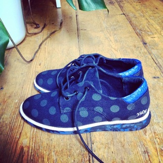 lovely by lucy blogger polka dots blue sneakers