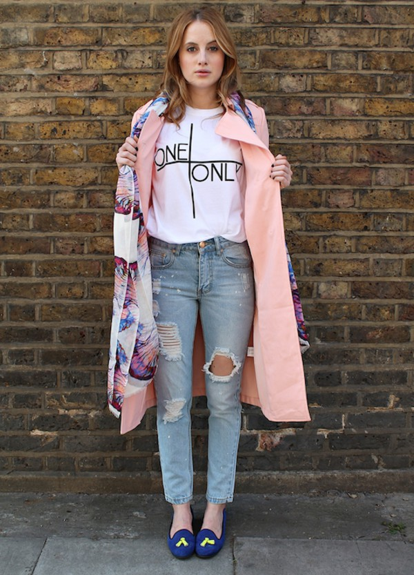 at fashion forte t-shirt jeans coat scarf shoes