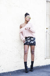 locks and trinkets,blogger,sweater,skirt,shoes,sunglasses,pink sweater,mini skirt,floral skirt,lace skirt,boots,black boots,high heels boots,aviator sunglasses