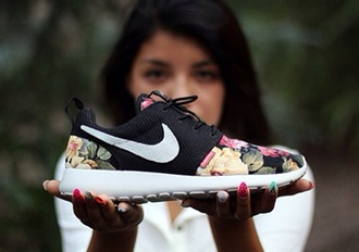 shoes nike floral print shoes black colorful nikes nike sneakers flowers floral nike roshe run roshes white roshe runs supreme nikes neon