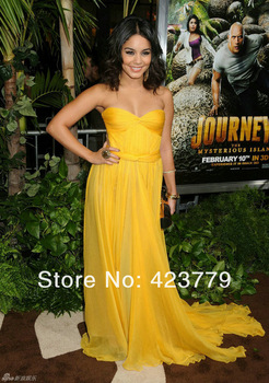 Aliexpress.com : Buy Hot Sale Halle Berry Elie Saab V neck Red See through Lace Prom Dresses Custom Made Celebrity Dresses 2013 from Reliable hot plus size prom dresses suppliers on 27 Dress