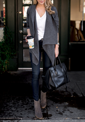 cardigan tumblr grey cardigan denim jeans blue jeans top white top fall outfits v neck bag black bag grey boots boots