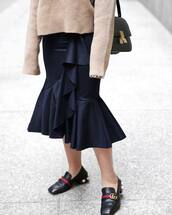 skirt,beige swe,tumblr,black skirt,midi skirt,wrap skirt,ruffle,ruffle skirt,shoes,black shoes,high heel loafers,pilgrim shoes,gucci,gucci shoes,sweater,bag,black bag