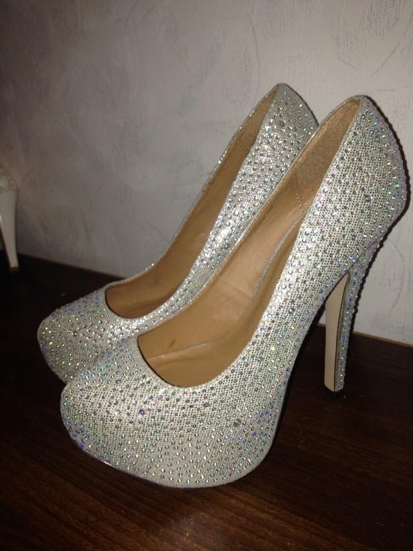 e0a90fc457e Off steve madden shoes sparkly rhinestone platform heels jpg 600x800 Steve  madden sparkle heels