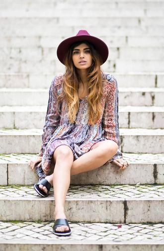 she wears fashion blogger hat dress birkenstocks boho dress