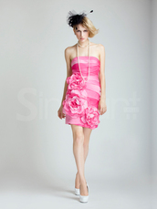dress,strapless and sleeveless prom dress with mini train.,made of satin andembelished with flowers