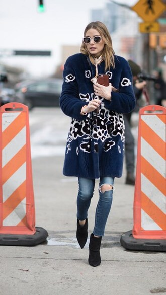coat nyfw 2017 fashion week 2017 fashion week streetstyle blue coat fur coat printed coat jeans denim blue jeans skinny jeans ripped jeans boots black boots ankle boots pointed boots sunglasses olivia palermo