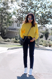 sweater,tumblr,yellow,yellow sweater,denim,jeans,blue jeans,boots,white boots,sunglasses