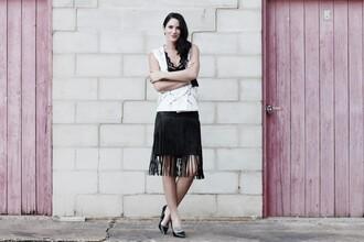 dtk austin styling blogger top skirt shoes bag